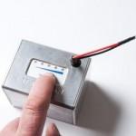 Små LED som viser hvor meget strøm der er tibage ved tryk på knap. Da jeg også lader GPS og mobil er der ekstra batteri til lange ture