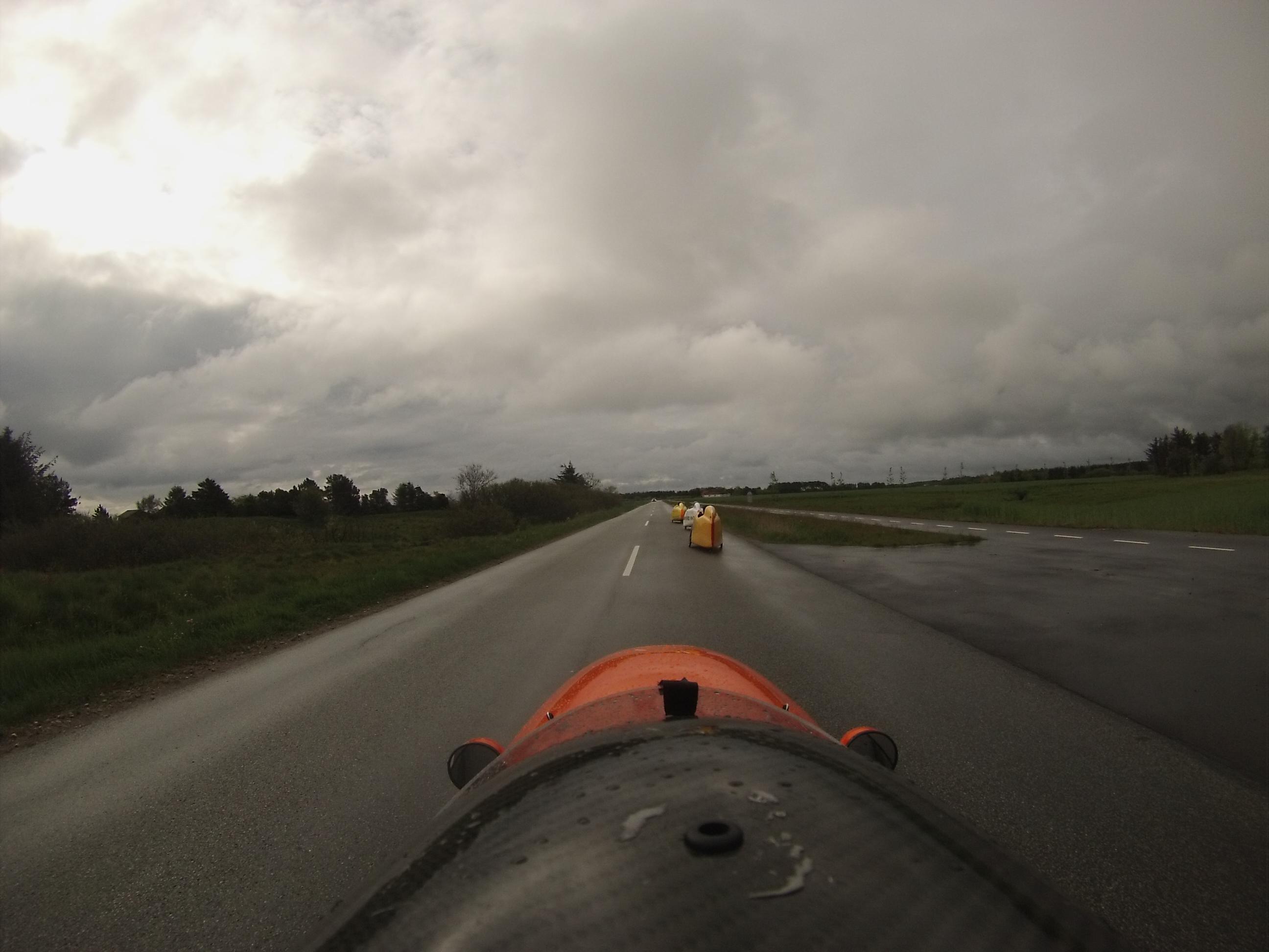 Sorte skyer over velomobilerne