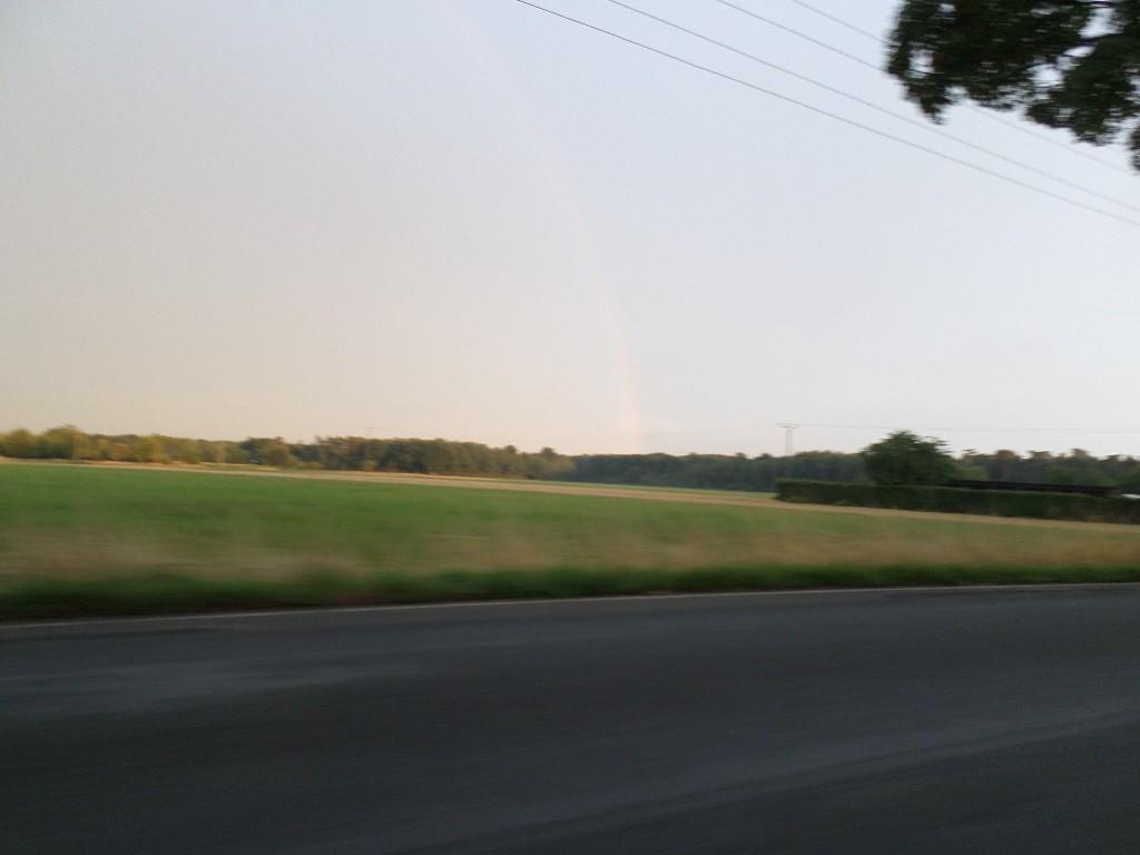 Lille regnbue og hurtig vej