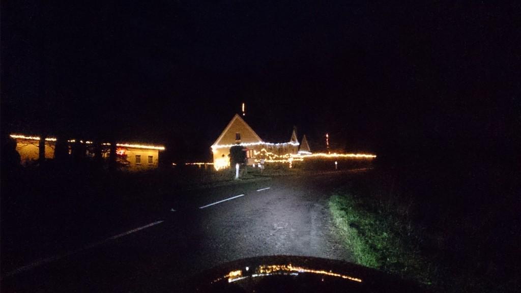 Julelys i mørket, giver varme