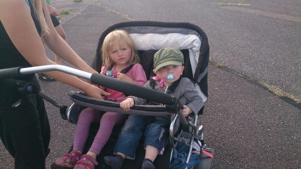 Aia Og Tias kommende velonauter
