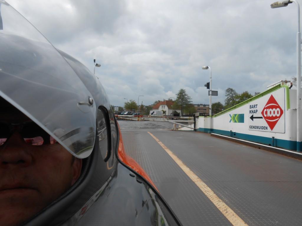 Lille kanalfærge i Holland