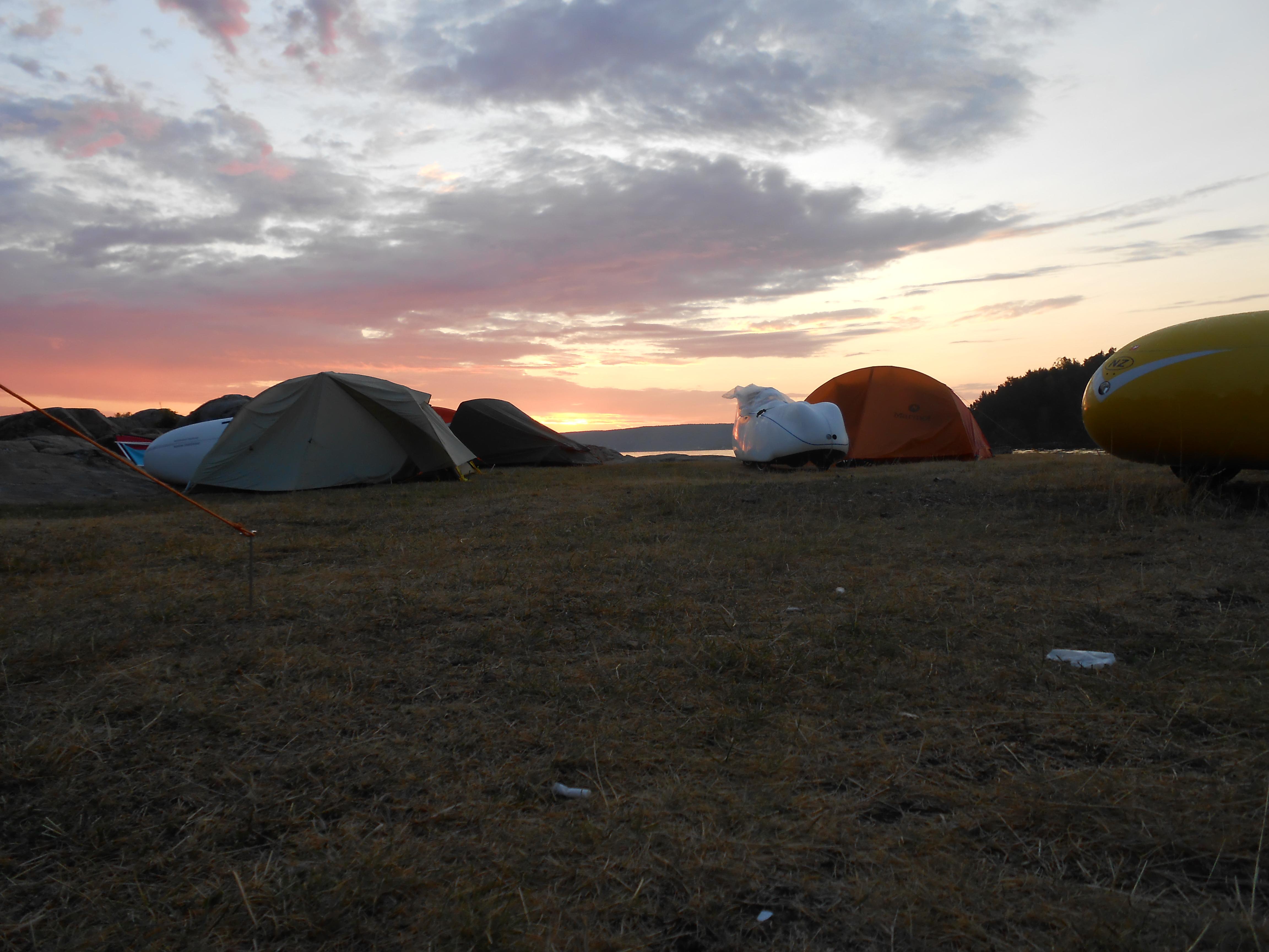 Klokken 04.00 Ramton camp